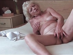 Sexy granny finger fucks her tight pussy tubes