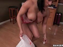 Hot ass girl cleans house half naked tubes