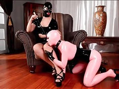 Latex lucy dominates kinky kyra hot tubes