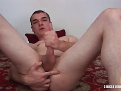 Cumshot on his hard stomach in jerk off video tubes
