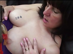 Curvy mature has naughty sex with a dildo tubes