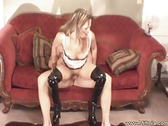 Reverse cowgirl for this horny milf tubes