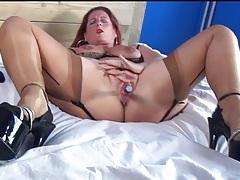 Mature redhead in sexy lingerie masturbates tubes
