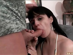 Bikini girl sucks dick and sits on him tubes
