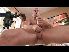 Gorgeous solo guy rod daily jerks off tubes
