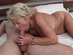 Wrinkled grandma is an incredible cocksucker tubes
