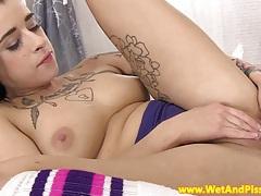Pee fetish babe masturbates her box tubes