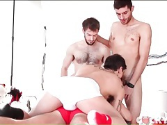 Kinky gay guys star in cocksucking foursome tubes