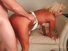 Tanned blonde milf fucked in her slutty pussy tubes