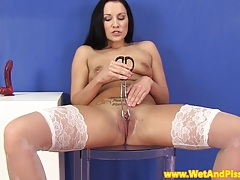 Pee fetish babe spreads her pussy open tubes