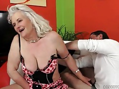 Granny wears sexy lingerie and sucks a dick tubes