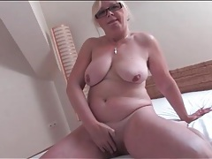 Naked old chick masturbates her hairy cunt tubes
