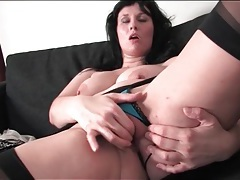 Voluptuous and sexy milf masturbates her cunt tubes