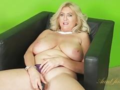 Huge natural tits mature vibrates pussy tubes