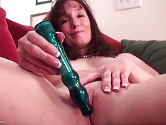 Sweet solo milf masturbates with a toy tubes