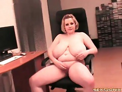 Bbw erotically fondles her huge tits tubes