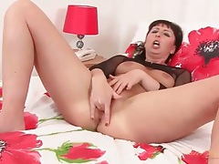Hot momma fingers her tight asshole tubes