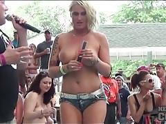 Topless girls lustily suck frozen treats and tease tubes