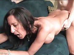 Dude cums on milf ass and keeps fucking her tubes