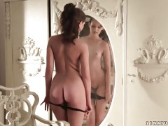 Liona levi sensually rubs her body in bedroom tubes
