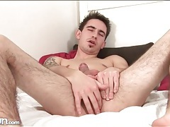 Solo guy with hairy legs jerks off tubes