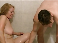 Granny sucks young dick in the bathub tubes