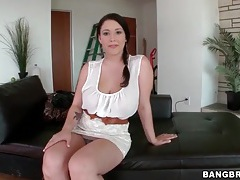 Curvy girl in a skirt has gorgeous big tits tubes