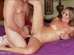 Reverse cowgirl cock grinding with a mom tubes