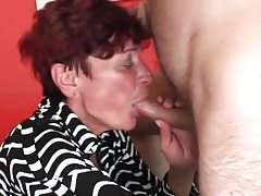 Redhead granny gives good head tubes