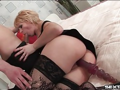 Mature slut with toy in her cunt sucks cock tubes
