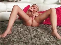 Mia malkova vibrates her clit to an orgasm tubes