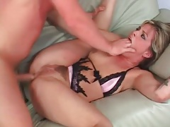 Curvy bitch on her back fucked in the asshole tubes