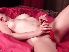 Cute redhead milf in lipstick masturbates tubes