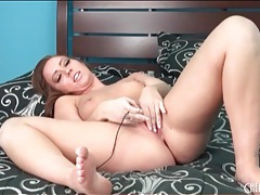 Vibrator masturbation makes brunette girl moan tubes