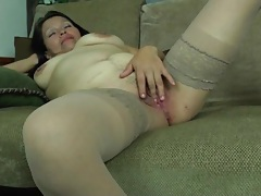 Mature with c-section scar masturbates her box tubes