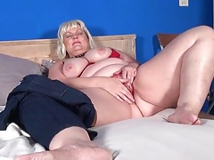 Cute blonde bbw plays with a dildo tubes