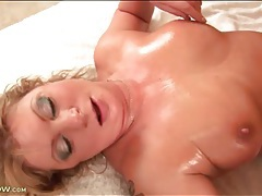 Fuck and cumshot with voluptuous mature slut tubes