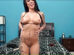 Sexy tattooed solo girl has big titties tubes