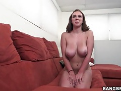 Brooke wylde teases her body and gives a titjob tubes