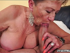 Making out with granny slut and fucking her tubes