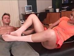 Sexy brunette is a deepthroat cocksucker tubes