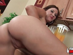 Orange juice in the butt of big tits girl tubes