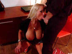 Dude caught looking at porn gets a milf blowjob tubes