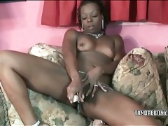 Black amateur chick toy bangs her vagina tubes