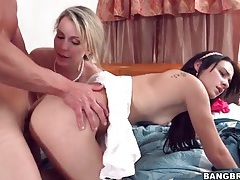 Hot girls ride his face and cock in threesome tubes
