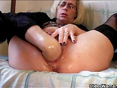 Fisting and pissing porn with blonde mature tubes