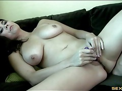 Solo asian models her sexy curves and masturbates tubes
