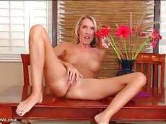 Blonde mom masturbates on her dining room table tubes