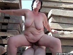Sex outdoors with thick body grandma slut tubes