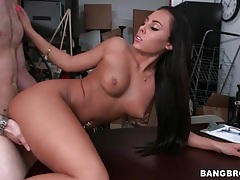 Gorgeous italian girl with great ass gets laid tubes